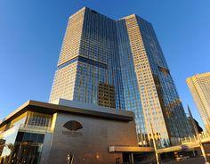 Mandarin Oriental is een luxe vijf-sterren hotel gelegen in CityCenter in Las Vegas. Het Mandarin Oriental Las Vegas heeft een moderne fitnessruimte met een yogastudio.