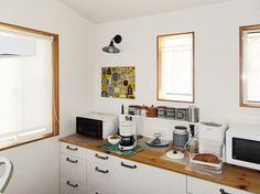 イケア製のキッチンをカントリーテイストにアレンジしました Kitchen Cabinets, Home Decor, Restaining Kitchen Cabinets, Homemade Home Decor, Kitchen Base Cabinets, Interior Design, Home Interiors, Decoration Home, Home Decoration