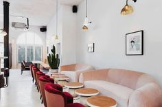 Restaurant & Bar: No 197 Chiswick Fire Station Architects: Box 9 Design, Red Deer Location: London, United Kingdom No 197 Chiswick Fire Station Interior Restaurant Design, Bar Restaurant, Restaurant Chairs, Modern Restaurant, Bar Design, Home Design, 2017 Design, Design Trends, Rosa Sofa