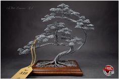 Wire bonsai tree on wooden base. Bonsai Wire, Wire Tree Sculpture, Sculptures, Wire Trees, Copper Art, Color Plata, Handmade Wire, Wire Crafts, Light Oak