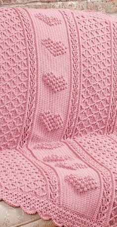 Aran Hearts Throw in Red Heart Soft Solids - Discover more Patterns by Red Heart Yarns at LoveCrafts. From knitting & crochet yarn and patterns to embroidery & cross stitch supplies! Shop all the craft materials you need to start your next project. Afghan Crochet Patterns, Knitting Patterns Free, Free Knitting, Baby Knitting, Crochet Fall, Crochet Home, Free Crochet, Crochet Christmas, Knitting Supplies