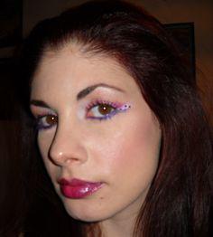 Applicazione lustrini su make up rosa