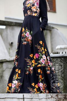 Check out this year's collection of style inspiration for Eid! Modest Dresses, Modest Outfits, Dress Outfits, Fashion Dresses, Hijab Outfit, Floral Dresses, Maxi Dresses, Modern Hijab Fashion, Hijab Fashion Inspiration