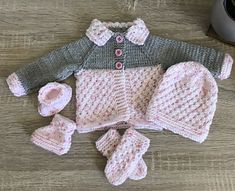 Ravelry: Danika Baby Jacket pattern by marianna mel Knitting For Charity, Baby Knitting, Knitted Baby, Preemie Clothes, Jacket Pattern, Baby Sweaters, Baby Wearing, Ravelry, Boy Or Girl