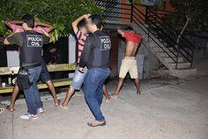 """Operação Interior Seguro/Borba/tráfico de drogas A Polícia Civil do Amazonas, sob o comando do delegado Mariolino Brito, diretor do Departamento de Polícia do Interior (DPI), deflagrou na manhã desta quinta-feira, 16, em Borba, município distante 151 quilômetros em linha reta da capital, a operação """"Interior Seguro"""", que tem por objetivo o cumprimento de 16 mandados de busca e apreensão e um mandado de prisão preventiva para o endereço de pessoas investigadas por comandarem o tráfico de…"""