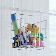 バスラックKago 浴室内のバーに掛けて収納できる、ステンレス性のバスケット。子供用のオモチャやシャンプーボトルがたっぷり収まります。水切りがしっかりできて、浴室も清潔に! ベルメゾン かご