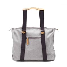QWSTION -SIMPLE ZIPTOTE ORGANIC RAWCYCLED - We've always liked simple holdalls, but also the comfort of a backpack when carrying some weight. Our new Simple Ziptote offers both. With a volume suited for daily use, an outside and some inside pockets and our Simple-Strap-System®, you get lots of versatility with classic style. Artistic Installation, Classic Style, Gym Bag, Organic Cotton, Backpacks, Pockets, Simple, Bags, Collection