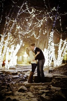 St. Paul winter engagement photo by Graddy Photography. #wedding minnesotabride