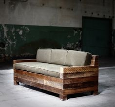 Sofa - pallets - lumber - scrap wood - DIY