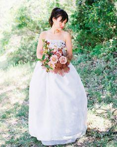 Smokebush-Inspired Summer Wedding at Carmel Valley Ranch Bridal Beauty, Wedding Beauty, Colored Wedding Dresses, Wedding Colors, Wedding Flowers, Wedding Bouquets, Beautiful White Dresses, Pink Lehenga, Vera Wang Dress