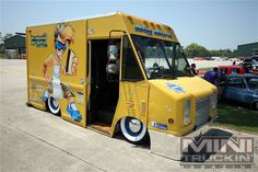 I want to do this but with a fully stocked ice cream truck lol Small Motorhomes, Sanford And Son, Step Van, Old School Vans, Box Van, Food Truck Design, Shop Truck, Panel Truck, Van For Sale