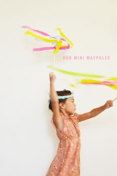 mini maypole for when you don't want to mess with the big one 4 Kids, Diy For Kids, Cool Kids, Children, Craft Projects For Kids, Craft Activities For Kids, Crafts For Kids, Kids Art Class, Beltane