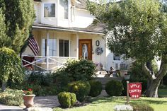Apple Country Bed and Breakfast - Yakima (Naches), Washington - Working Ranch - Between Cascade Mountains and Wine Country