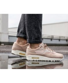 sports shoes 1dd1b 7fe15 Nike Air Max 1 Pinnacle Sand Particle Beige Trainers
