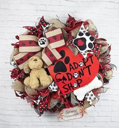 Dog Wreath by Splendid Homecrafts - Calling all dog lovers! Show your love for your best four-legged friend with this adorable dog themed wreath! 🐾 My wreaths also make wonderful gifts for that special someone or dog lover! Dog Wreath, Frame Wreath, Wreath Crafts, Wreath Ideas, Deco Mesh Wreaths, Burlap Wreaths, Trendy Tree, Christmas Traditions, Christmas Wreaths