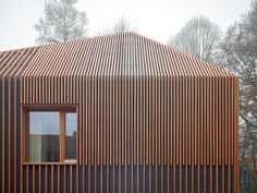 prefab walls + roof - wooden lamella façade, no counter-battens - House 11 x 11 - Munich, Germany - Titus Bernhard Architekten