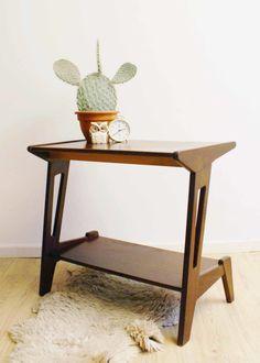 Teak houten vintage bijzettafel,  Louis van Teeffelen voor Wébé. Retro design trolley/sidetable