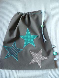 Sac à gouter garçon personnalisable étoiles turquoise et taupe : Sacs enfants par nenette-lune