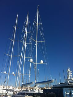 The brand new #SYMondango #rig. Re-stepped by #RSBRiggingSolutions @AlloyYachts www.rsb-rigging.com #RSBRiggingSolutions