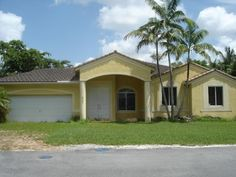 Foreclosed Home For Sale in Miami, FL    4 Beds, 3 Baths ... Listing ID: 36483370  http://realestateforeclosures.net