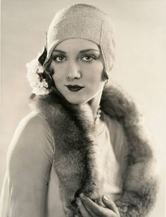 36 Vintage Photos Show a Unique and Elegant Style of 1920's Womens Fashions