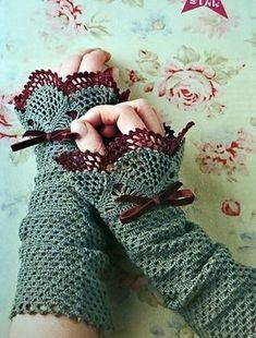Wrist Warmers pattern by Monica Siwak wrist warmers, pattern hard to get. in mollie makes issue 10 (UK magazine)wrist warmers, pattern hard to get. in mollie makes issue 10 (UK magazine) Thread Crochet, Crochet Scarves, Crochet Crafts, Crochet Yarn, Crochet Clothes, Crochet Projects, Free Crochet, Crochet Granny, Fingerless Gloves Crochet Pattern