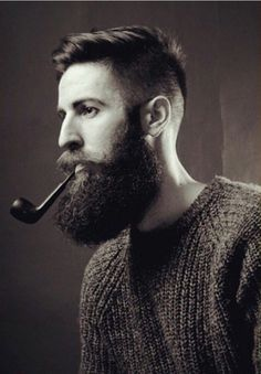 thelastofthewine: bearditorium: Miquel ***Awesome big bush … So well complemented by the pipe