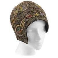 For Sale on - Vintage Mannheimer gold lace floral embellished helmut style flapper cloche evening hat. Gold Lace, Metallic Gold, Flapper Hat, Flapper Style, 1920s Flapper, Vintage Outfits, Vintage Fashion, Vintage Dress, Vintage Mode
