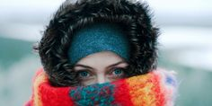 Winter Health Myths That Can Snow You Some adages deserve to be frozen out. As temps drop many worry about rising risk of colds and fevers. But which fears aren't based on fact? And what valid health concerns do we ignore? Winter Hacks, Winter Tips, Winter Survival, Cold Weather Outfits, Winter Outfits, How To Wear Scarves, Save Life, Stay Warm, Sweaters For Women