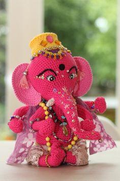 Go Around the World Seven Times With Ganesha – FREE #crochet patterns! via @knithacker