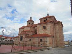 Iglesia de Santo Tomas. Las reformas y añadidos no la han hecho perder su gracia estética.