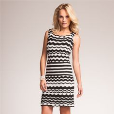 Crochet black and white ripple  dress ♥LCD-MRS♥ with diagram for the center work. Crochetemoda: Vestido de Crochet Preto e Branco