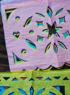 Se tratan de un papel delgado de colores conocido en México como papel de china, al cual se le hacen varios cortes para formar figuras como son las calaveras, las calabazas, las lápidas y diferentes palabras referentes a la ocasión. Y reoresenta en vientos que pasa por los orificios.