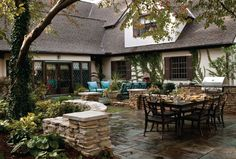 Love these patio walls- they are screaming for big beautiful urns