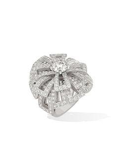 Sortija 1932 en oro blanco de 18 quilates y diamantes Modelo grande - CHANEL