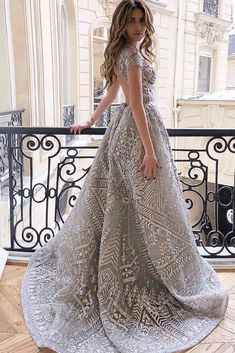 Are you looking for bedazzling silver dress for prom designs? Couture Dresses, Bridal Dresses, Fashion Dresses, Prom Dresses, Formal Dresses, Elegant Dresses, Pretty Dresses, Style Blogger, Engagement Dresses