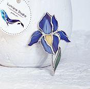 Купить или заказать Витражная брошь Пуанты. Техника Тиффани. Витраж. Цветное стекло в интернет-магазине на Ярмарке Мастеров. Каждое наше украшение - это маленький витраж, сделанный вручную из кусочков стекла. По желанию заказчика, могут быть использованы различные цвета и оттенки стекла. А также разработан индивидуальный дизайн украшения по эскизу или идеям заказчика.
