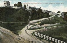 Old postcard, Fort Mackinac in 1907.