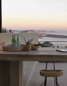 Greece House, Home Interior Design, Future House, Like4like, Dining Table, Backyard, Table Decorations, Places, Furniture