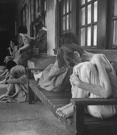 The images show how patients were badly treated and left abandoned inside Cleveland State Hospital in the Rare Photos, Old Photos, Vintage Photos, Insane Asylum Patients, Abandoned Asylums, Abandoned Ohio, Haunted Asylums, Abandoned Hospital, Abandoned Houses