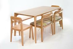 pixie din1 550x375 DINING TABLE
