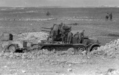 Afrika korps sd kfz 7/1 AA gun DAK Afrika Corps, North African Campaign, Erwin Rommel, Italian Army, Model Tanks, Military Pictures, World Of Tanks, Army Soldier, German Army