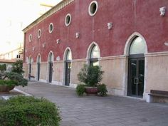 Exma' Cagliari. Natural lime paint in ancient building 1850