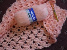 Crochet Knitting Handicraft: Shawl Goldfish