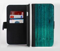 The Bright Emerald Green Wood Planks lnk-Fuzed Leather Folding Wallet Case For the Apple iPhone and Samsung Galaxy Devices