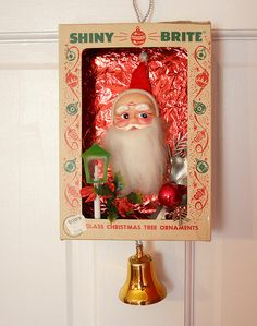 Vintage Ornament Box Diorama- I am still collecting ideas for my 2015 projects. I have everything except for the shiny brite boxes. Vintage Christmas Crafts, Christmas Card Crafts, Old Christmas, Old Fashioned Christmas, Christmas Scenes, Antique Christmas, Vintage Ornaments, Retro Christmas, Christmas Items