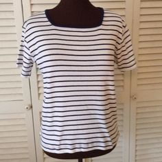 Like new stripe top. Like new condition. My Closet Offers❤️25% off bundle of 2 or more. Allyson Whitmore Tops
