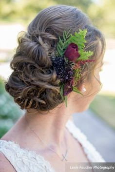 Wedding hair inspiration, natural, intricate bridal up-do, red rose, leaves // Lexie Faucher Photography Wedding Makeup, Wedding Bride, Beautiful Bridal Makeup, Wedding Hair Inspiration, Hair Studio, Fall Looks, Fall Hair, Red Roses, Bridal Hair