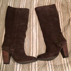 Dark brown boots Perfect condition basically brand new. Dark brown boots with chunky heel Shoes Heeled Boots