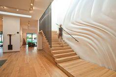 escada e piso em madeira